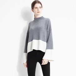 Halona - Bell-Sleeve Contrast-Color Sweater
