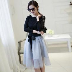 Romantica - Set: Long-Sleeve Top + Bow-Accent Skirt