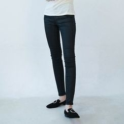 Vintage Vender - Coated Skinny Pants