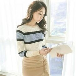 ode' - Color-Block Cable-Knit Top