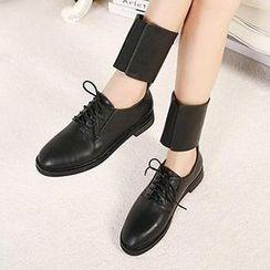 Mancienne - Lace-Up Cutout Short Boots