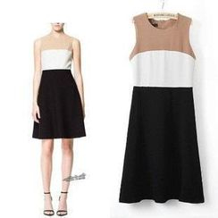 LIVA GIRL - Color-Block Sleeveless Dress