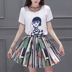 Cobogarden - Set: Short-Sleeve Print T-Shirt + Print Pleated Skirt