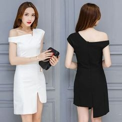 Soraka - Off-Shoulder Sheath Dress
