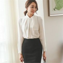 ode' - Tie-Neck Shirred-Front Top