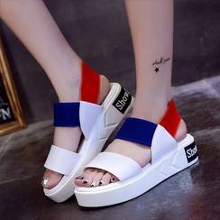 周董女鞋 - 插色厚底凉鞋