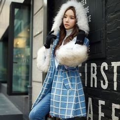 Dabuwawa - Furry-Trim Hooded Check Coat