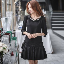 Dabuwawa - 3/4-Sleeve Beaded Dress