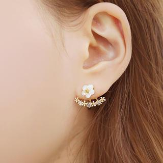 soo n soo - Flower Drop Earrings