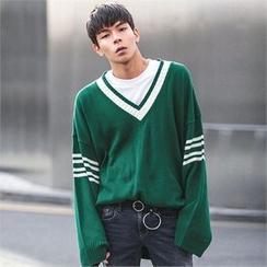 Superstar.i - V-Neck Contrast-Trim Knit Top
