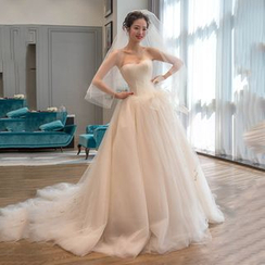 YACCA - Strapless Long Train Wedding Ball Gown