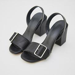 chuu - Block-Heel Buckled Sandals