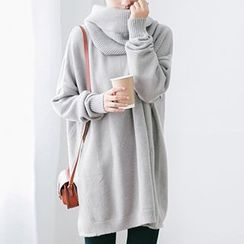 Plum Forest - Set: Boxy Sweater + Circle Scarf