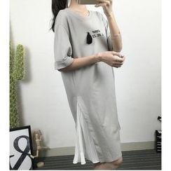 HazyDazy - Pleated Panel Tasseled T-Shirt Dress