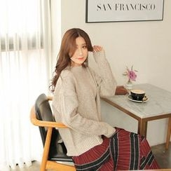 Cherryville - Crewneck Loose-Fit Sweater