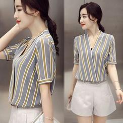 lilygirl - Set: Short-Sleeve Striped V-Neck Top + Shorts