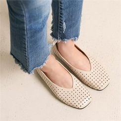 Wifky - Perforated Flats