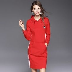 Ozipan - Long-Sleeve Hooded Applique Dress