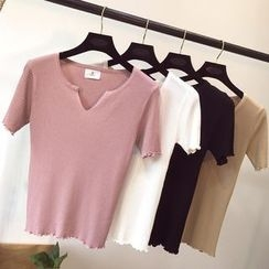 Honey House - V-Neck Short-Sleeve Knit Top