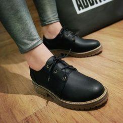 Pretty in Boots - Plain Oxfords