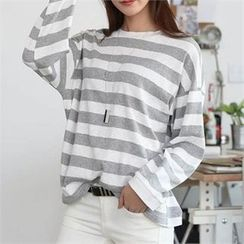 CHICFOX - Drop-Shoulder Stripe T-Shirt