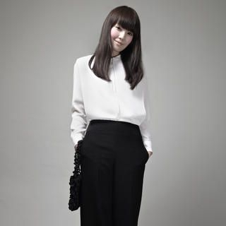iohll - Pleated-Front Blouse