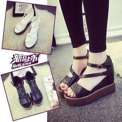 Yoflap - Platform Hidden Wedge Strappy Sandals