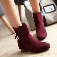 Gizmal Boots - 饰扣植毛绒短靴