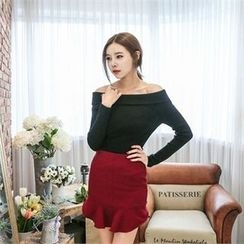 JVLLY - Off-Shoulder Slim-Fit Knit Top