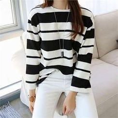 CHICFOX - Drop-Shoulder Striped T-Shirt
