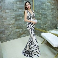 Posh Bride - Sleeveless Patterned Mermaid Evening Gown
