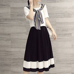 Ashlee - 套裝: 假兩件短袖T裇 + 打褶中裙