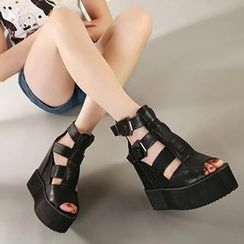 Mancienne - Strappy Buckled Wedge Sandals