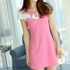Q.C.T - Cap-Sleeve Cutout Dress