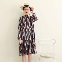 三木社 - 长袖图案饰褶连衣裙