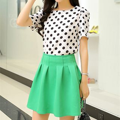 Swish - Set: Polka Dot Short-Sleeve Top + Pleated Skirt