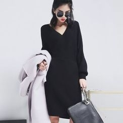 Sonne - V-Neck Knit Dress