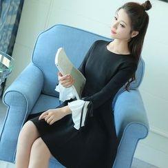 Mandalle - Bell-Sleeve A-Line Dress