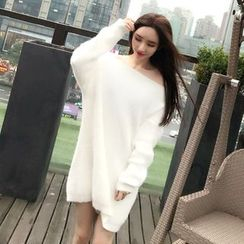 Trinie - Plain V-Neck Furry Sweater Dress