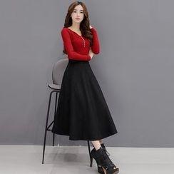 Romantica - 套裝: 飾釦上衣 + A字短裙