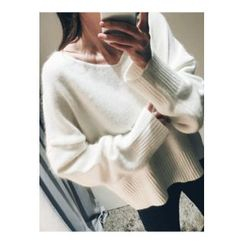 ATTYSTORY - V-Neck Wool Blend Sweater