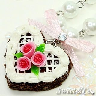 Sweet & Co. - Mini Rose Chocolate Cake Ribbon Necklace